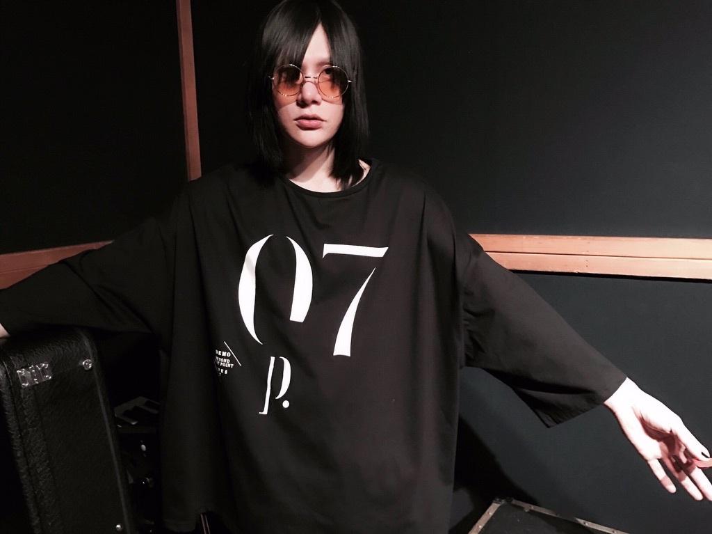 "Oversize 9/10 length tee""opus7"""