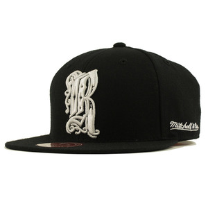 R-RATED x MITCHELL&NESS 限定コラボCAP (BLACKxWHITE)[G018]