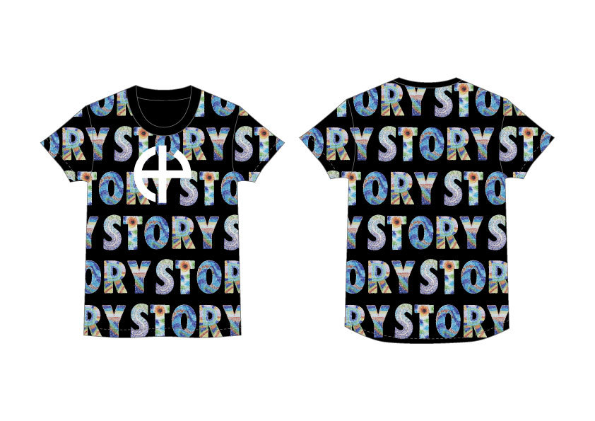 「STORY」総柄 T シャツ