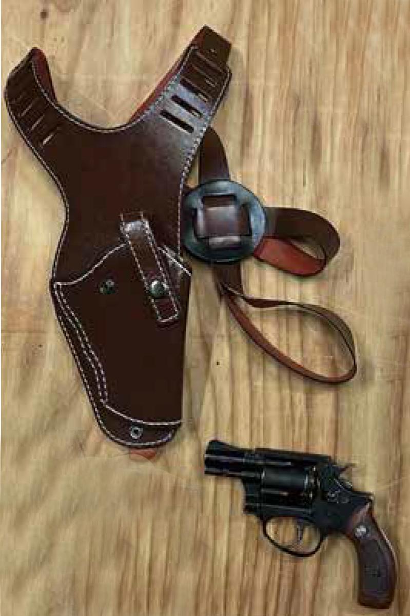 ガスの銃とガンホルダーセット(アクリルケース入り)<抽選販売>【限定数1】